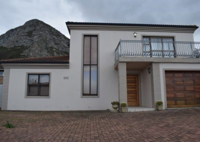 3 Bedroom Home, Voelklip