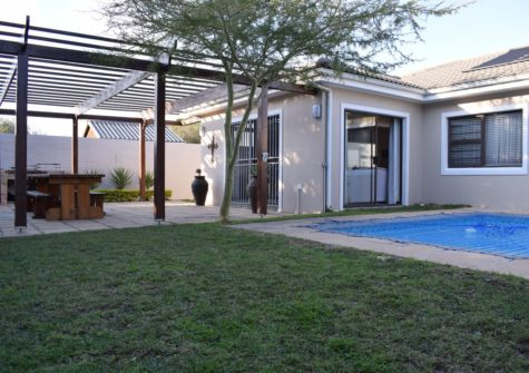 4 Bedroom Home, Sandbaai