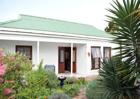 2 Bedroom Home For Sale In Sanbaai, Bergzicht Complex