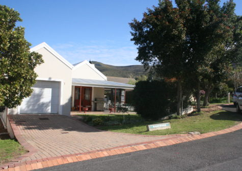 2 Bedroom Home for Sale in Hemel & Aarde Estate