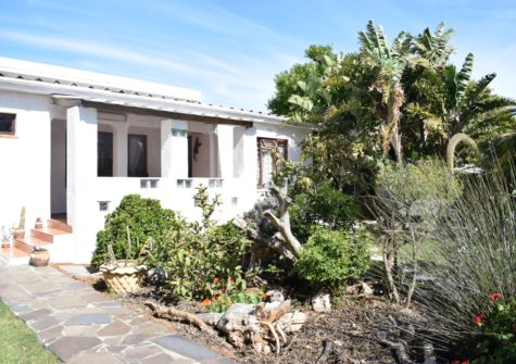 Commercial Property For Sale in Sandbaai